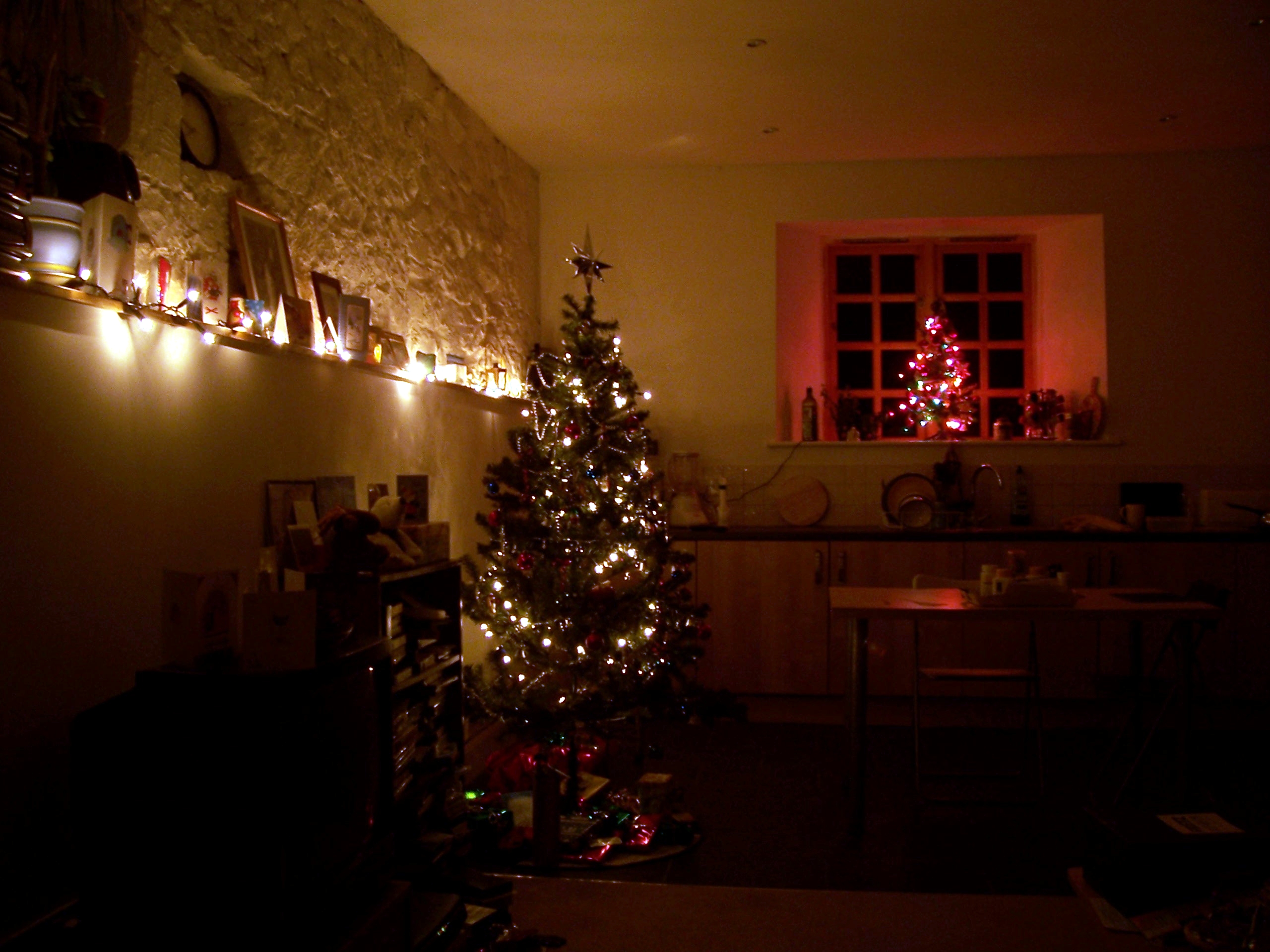 How to decorate my room for christmas - Photo Of My Christmas Decorations In 2005